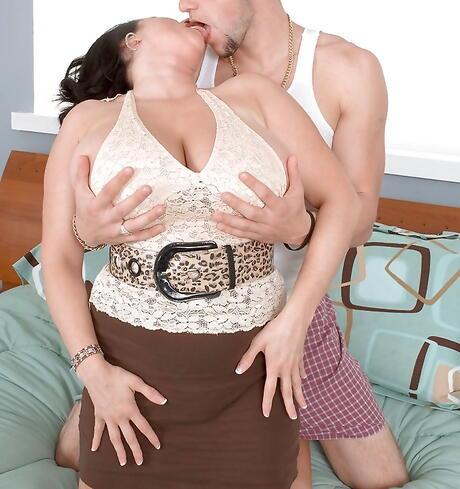Granny Kissing Porn