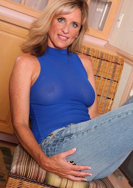 Blonde Porn