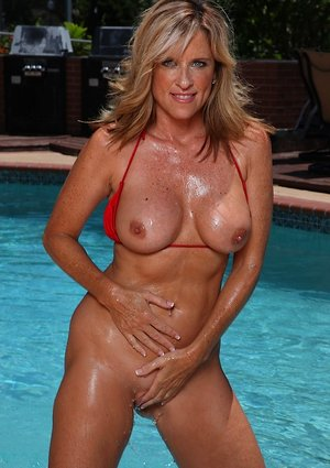 Granny in Pool Porn