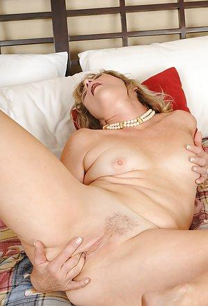 Masturbating Granny Porn