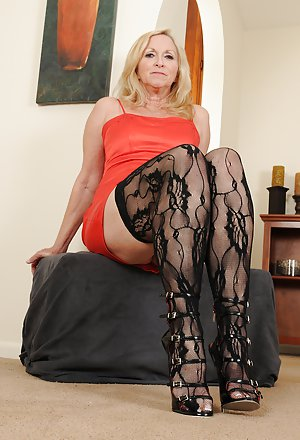 Perfect Legs Granny Porn