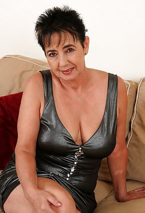 Granny in Latex Porn