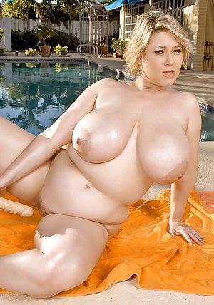 Granny in Pool Porn