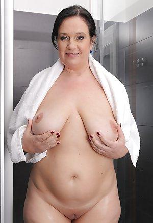 Granny in Shower Porn