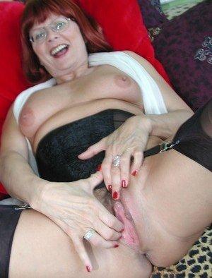 Granny Fingering Porn